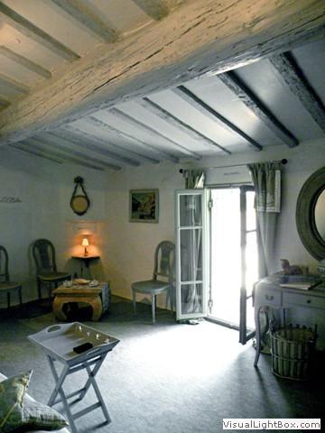 chambres d 39 h tes du ch teau de pouget s jour haut de gamme gard n mes chambre des songes. Black Bedroom Furniture Sets. Home Design Ideas